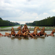 The famous Versailles fountain.
