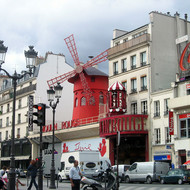 The infamous Moulin Rouge.