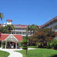 A view of the interior courtyard of the Hotel del Coronado.