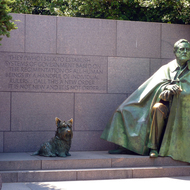 A statue of the Franklin D. Roosevelt and his dog at the FDR Memorial.