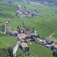 A view of vineyards and small villages from the Bozen-Bolzano cable car.