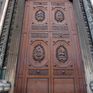 A door of the Cathedral of Santa Maria del Fiore.