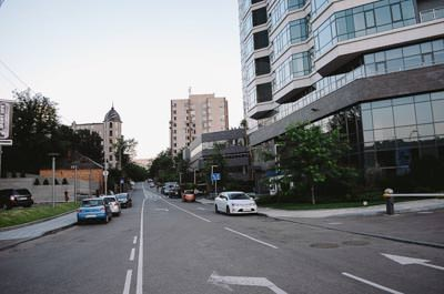Thumbnail image ofStreet in the Pechersk district.