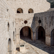 Inner courtyard of Lovrijenac fortress.