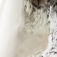 Under Horseshoe falls in mid-winter.