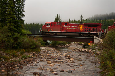 Thumbnail image ofCanadian Pacific 8626 hauls freight eastwards...