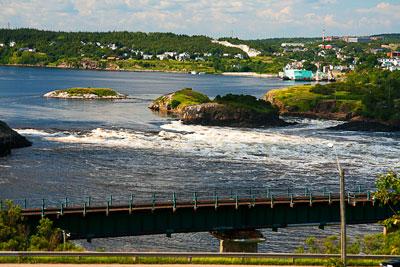 Thumbnail image ofOutgoing tide at the reversing falls.