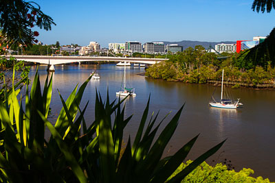Thumbnail image of Brisbane River, Captain Cook bridge and the city...