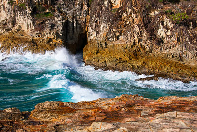 Thumbnail image ofWhale Rock blow hole in North Gorge.