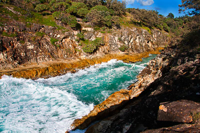 Thumbnail image ofThe waves surge in to North Gorge.