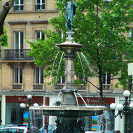 Fountain on Av. De l'Opera.