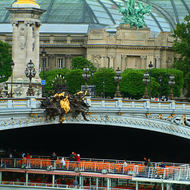 Pont Alexandre III and the Grand Palace.