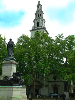 Thumbnail image of Church of St Clement Danes on The Stand with statue...