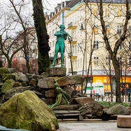 Statue Ole Bull by Stephan Sinding in central Bergen.