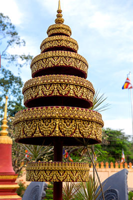 Thumbnail image ofTraditional temple decoration in Wat Prom Rath.