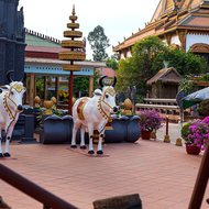 Sacred cow sculptures in the grounds of Wat Prom Rath.