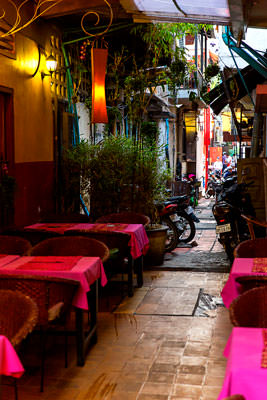 Thumbnail image ofRestaurant in a laneway, motorcycle parking permitted.