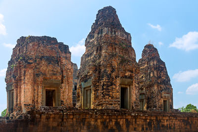 Thumbnail image ofThe crumbling bricks of the Preah Rup temple complex.