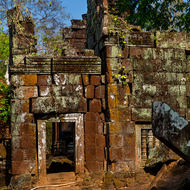 Remains of the entrance tower and gallery of Prasat Banteay Pir Chean temple.