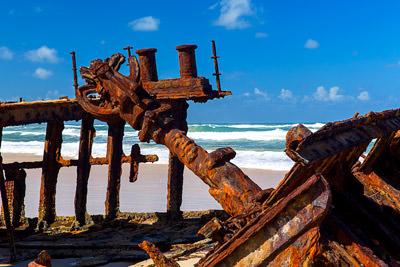 Thumbnail image ofShipwreck Maheno: rusty bollard and spare ribs...