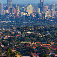 Downtown Brisbane from Mount Gravatt summit.