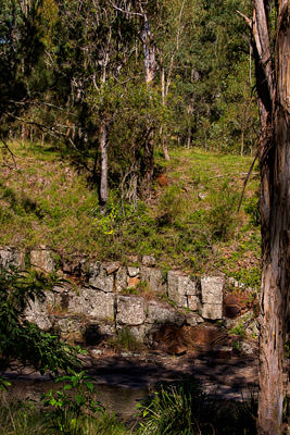 Thumbnail image ofJointed bed rock beside Condamine River.