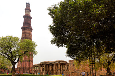 Thumbnail image ofThe Qutab Minar and remnants of the Quwwat-ul-Islam...