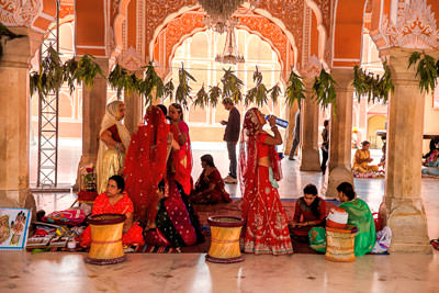 Thumbnail image ofHenna painters, a pavilion in the palace grounds.