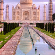 Taj Mahal and view along the pool (Hawz).