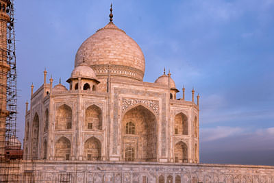 Thumbnail image of East facing side of the Taj Mahal.