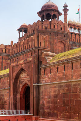 Thumbnail image of Red Fort main gate.