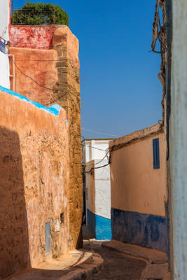 Thumbnail image ofNarrow streets within the kasbah and a rooftop...