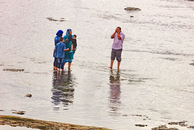 Thumbnail image of Family seaside outing.