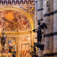 Approach to the main altar of the Duomo.