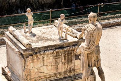 Thumbnail image ofTerrazza di M. Nonio Balbo.