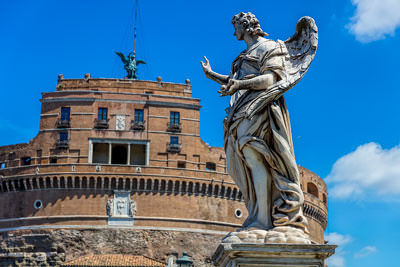 Thumbnail image ofAngel with the nails on Ponte Sant'Angelo.