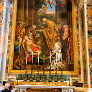 Altar of St. Jerome and the body of Pope John XXXII.