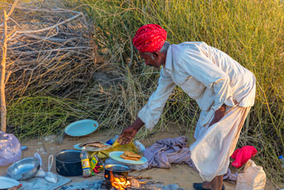 Thumbnail image ofDesert cooking daily bread.